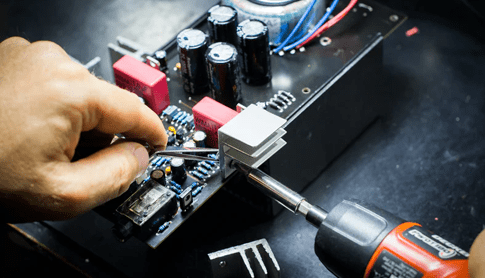 機械修理の画像